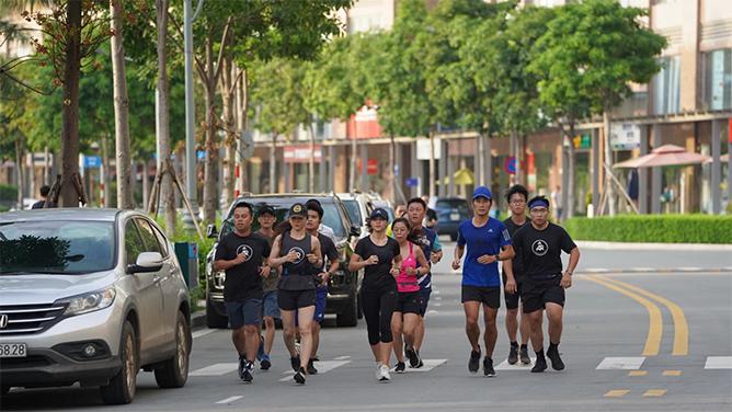 Adidas Runners Saigon cong dong chay bo quoc te