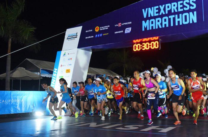 giai chay bo vnexpress marathon hanoi midnight 2020